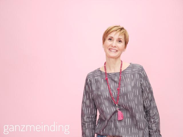 Frau Yoko fritzi schnittreif atelier brunette ganzmeinding 02