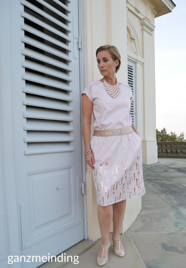 ganzmeinding: Lotte Martens Lilia Hedi näht Sommerbluse Leni pepunkt 02