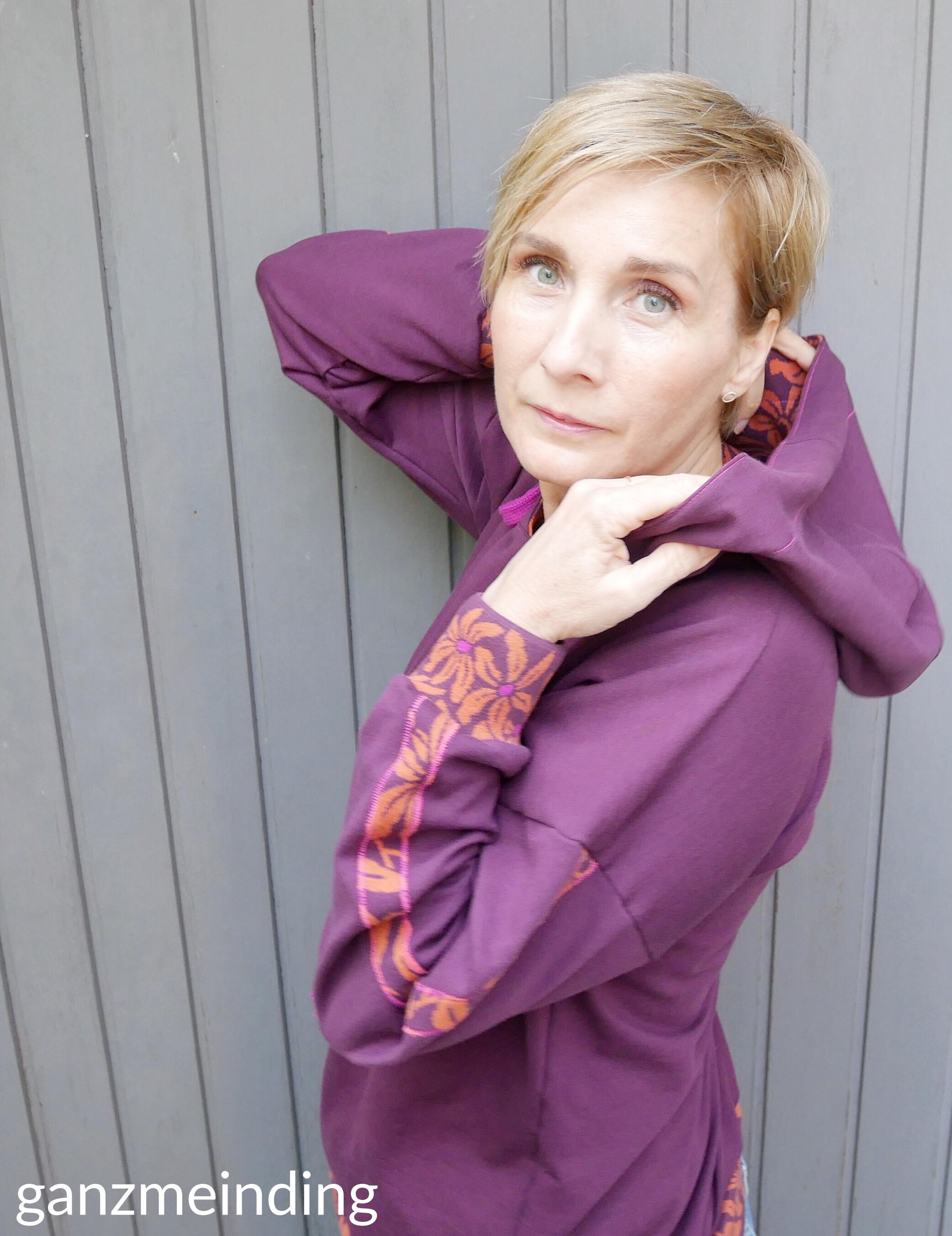 ganzmeinding: Flur Hello Heidi Fabrics, Hoodie 01 die Komplizin 04