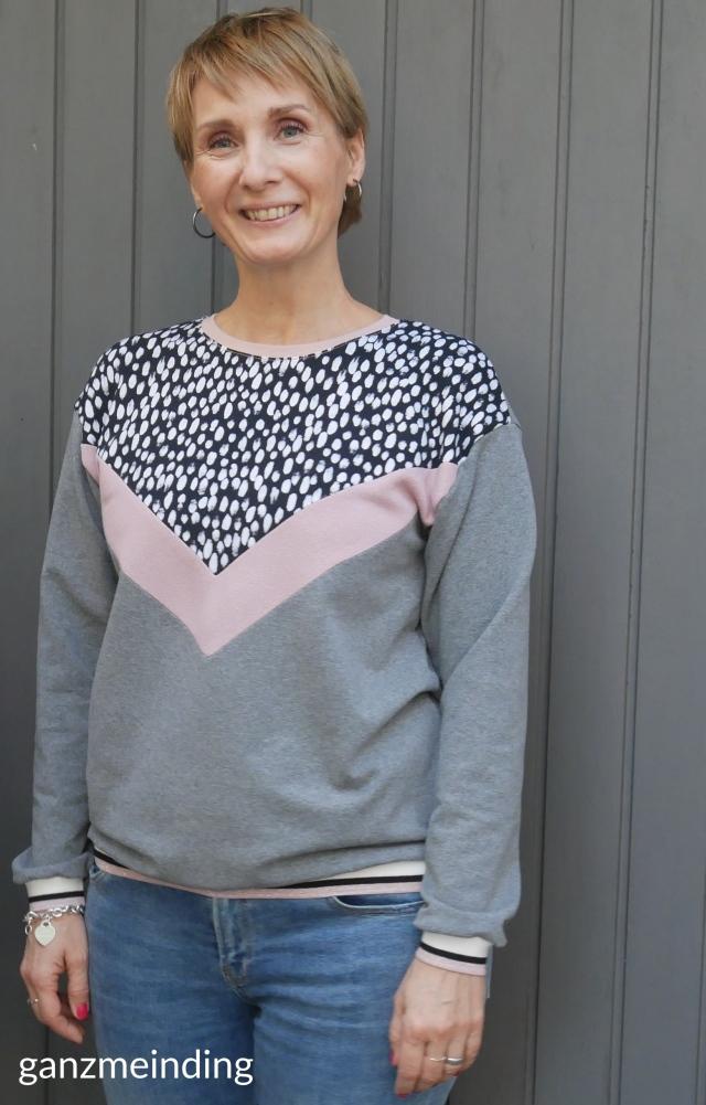 ganzmeinding: Frau Luise Hedi näht, Kleiderständer von Ziito 02