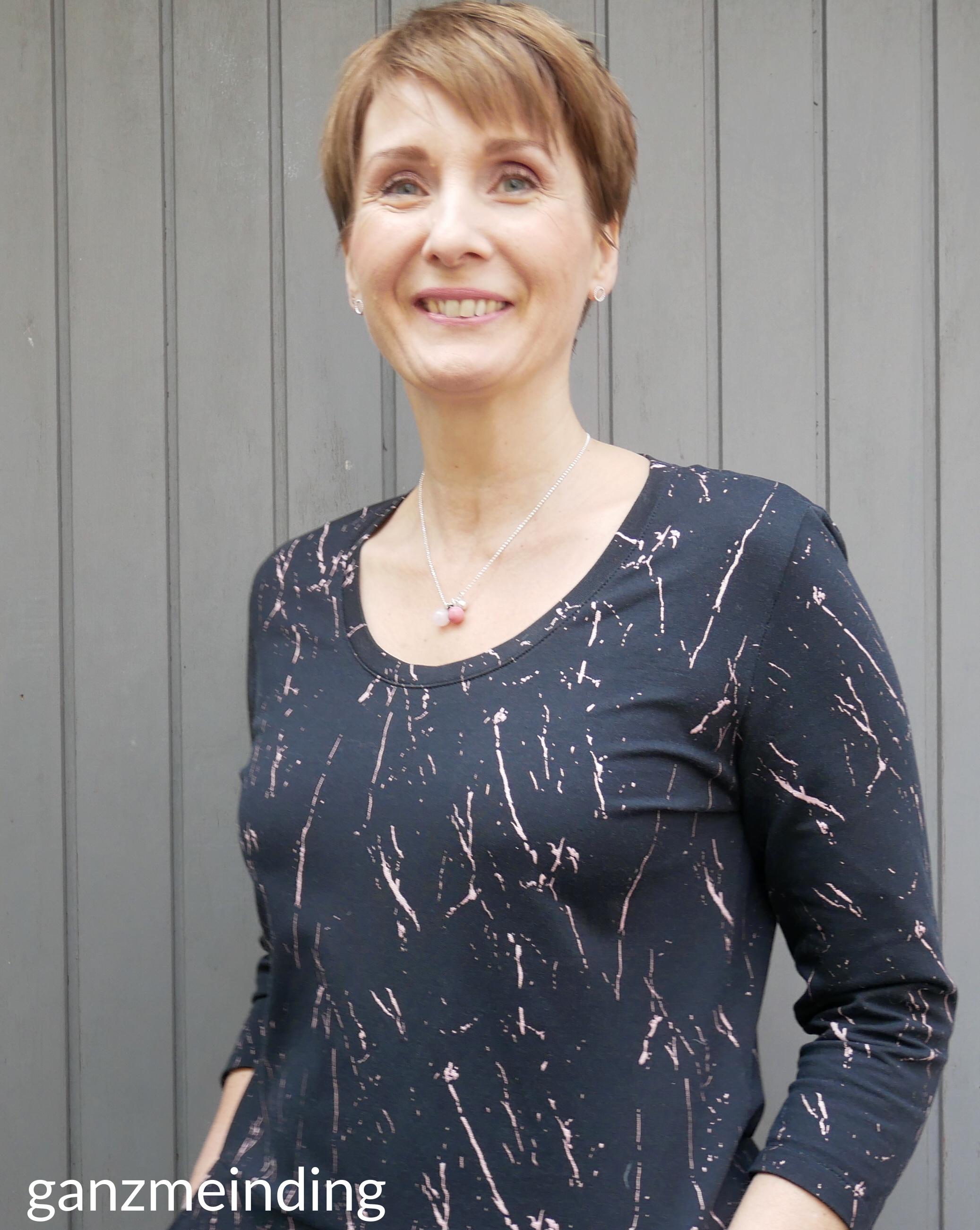 ganzmeinding: Frau Fannie studio schnittreif about blue fabrics blackslash 05