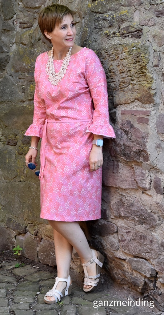 ganzmeinding: Dotties Coral Hello Heidi fabrics Frau Elly studio schnittreif Albstoffe 02
