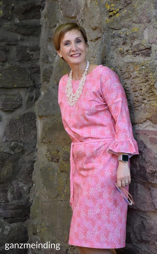 ganzmeinding: Ticino Dotties Coral Hello Heidi 01 Frau Elly studio schnittreif